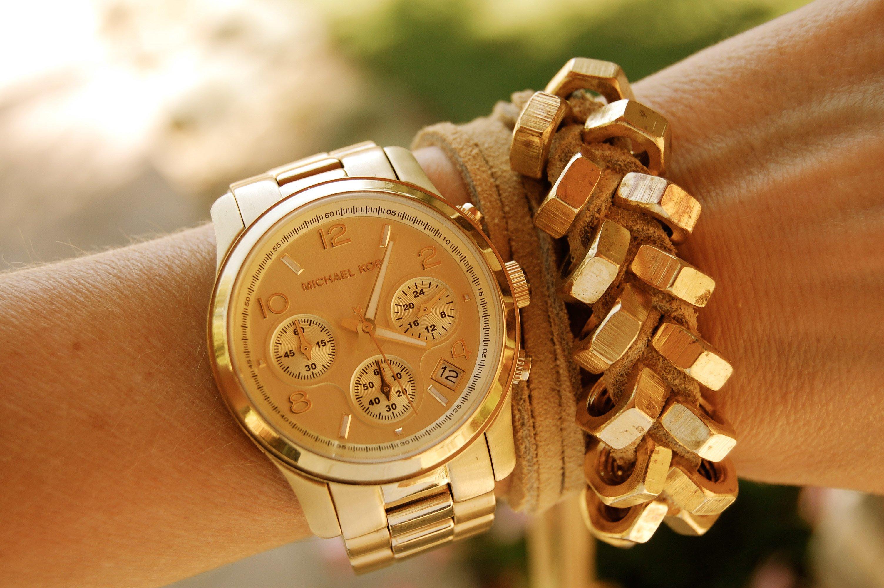 Цена женских часов