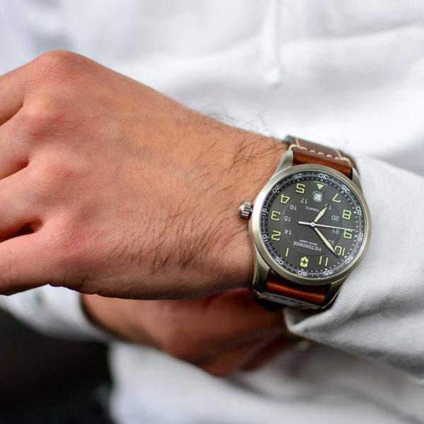 Мужские наручные часы VICTORINOX SWISS ARMY AIRBOSS V241507 - Фото № 7