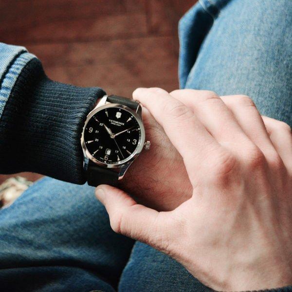 Мужские наручные часы VICTORINOX SWISS ARMY ALLIANCE V241474