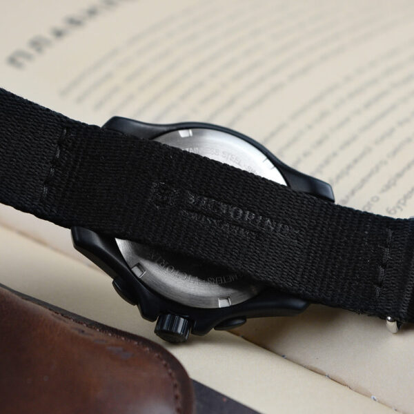 Мужские наручные часы VICTORINOX SWISS ARMY ORIGINAL V241534 - Фото № 11