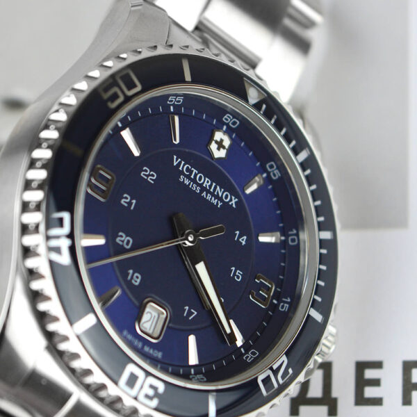Мужские наручные часы VICTORINOX SWISS ARMY MAVERICK V241602 - Фото № 9