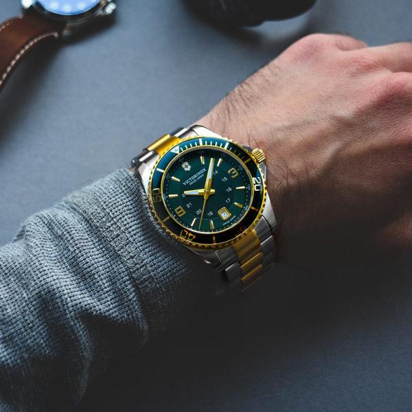 Мужские наручные часы VICTORINOX SWISS ARMY MAVERICK V241605 - Фото № 9