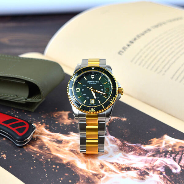 Мужские наручные часы VICTORINOX SWISS ARMY MAVERICK V241605 - Фото № 10