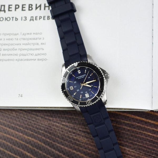Женские наручные часы VICTORINOX SWISS ARMY MAVERICK V241610 - Фото № 9