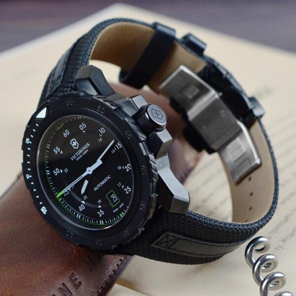 Мужские наручные часы VICTORINOX SWISS ARMY ALPNACH V241685 - Фото № 10
