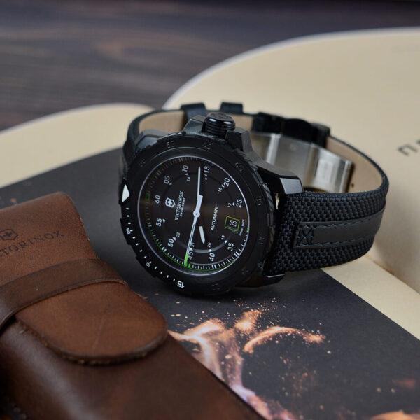 Мужские наручные часы VICTORINOX SWISS ARMY ALPNACH V241685 - Фото № 11