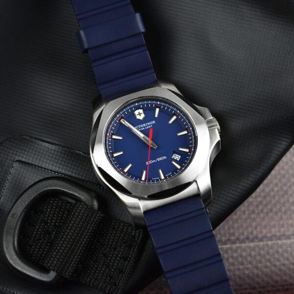 Мужские наручные часы VICTORINOX SWISS ARMY INOX V241688.1 - Фото № 10