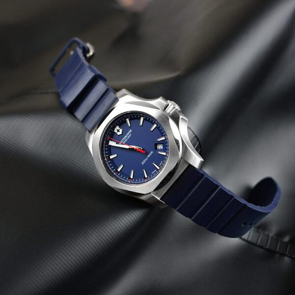 Мужские наручные часы VICTORINOX SWISS ARMY INOX V241688.1 - Фото № 8