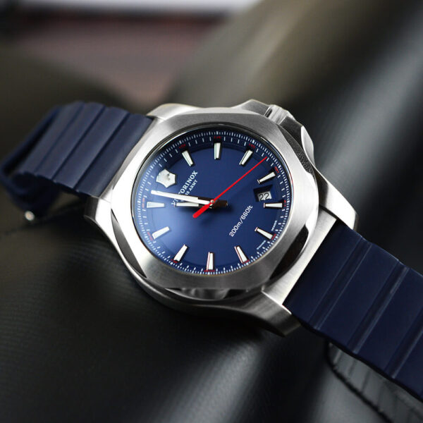 Мужские наручные часы VICTORINOX SWISS ARMY INOX V241688.1 - Фото № 9