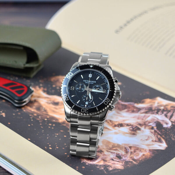 Мужские наручные часы VICTORINOX SWISS ARMY MAVERICK V241695 - Фото № 8