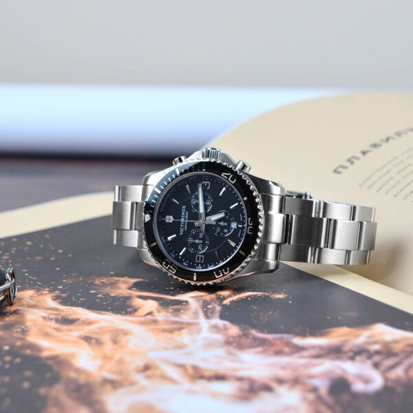 Мужские наручные часы VICTORINOX SWISS ARMY MAVERICK V241695 - Фото № 7