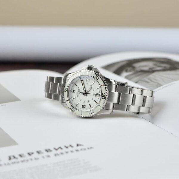 Женские наручные часы VICTORINOX SWISS ARMY MAVERICK V241699 - Фото № 7