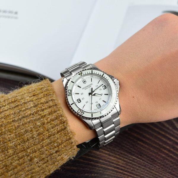 Женские наручные часы VICTORINOX SWISS ARMY MAVERICK V241699 - Фото № 8
