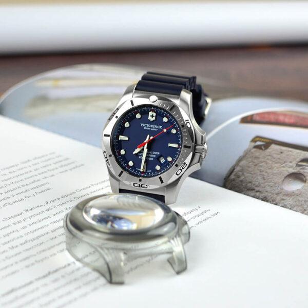Мужские наручные часы VICTORINOX SWISS ARMY INOX V241734 - Фото № 9