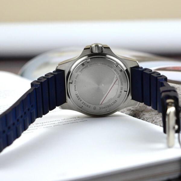 Мужские наручные часы VICTORINOX SWISS ARMY INOX V241734 - Фото № 11