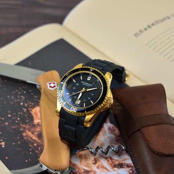 Мужские наручные часы VICTORINOX SWISS ARMY MAVERICK V249101 - Фото № 7