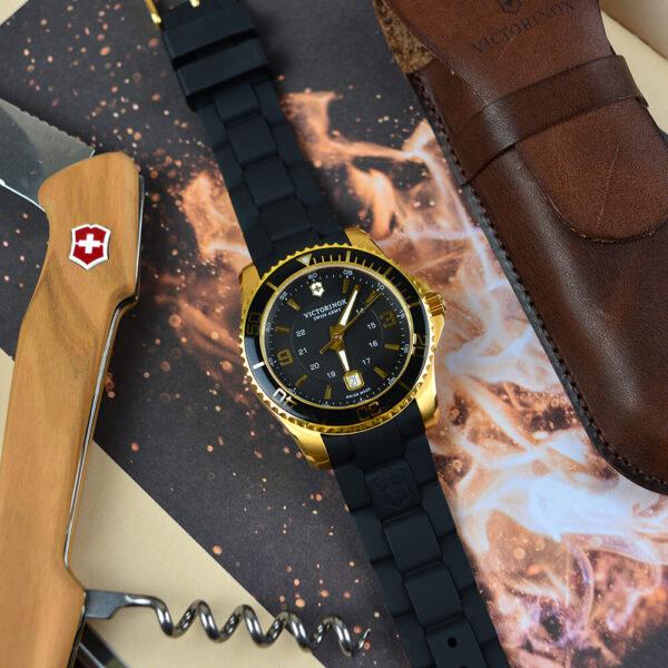 Мужские наручные часы VICTORINOX SWISS ARMY MAVERICK V249101 - Фото № 8