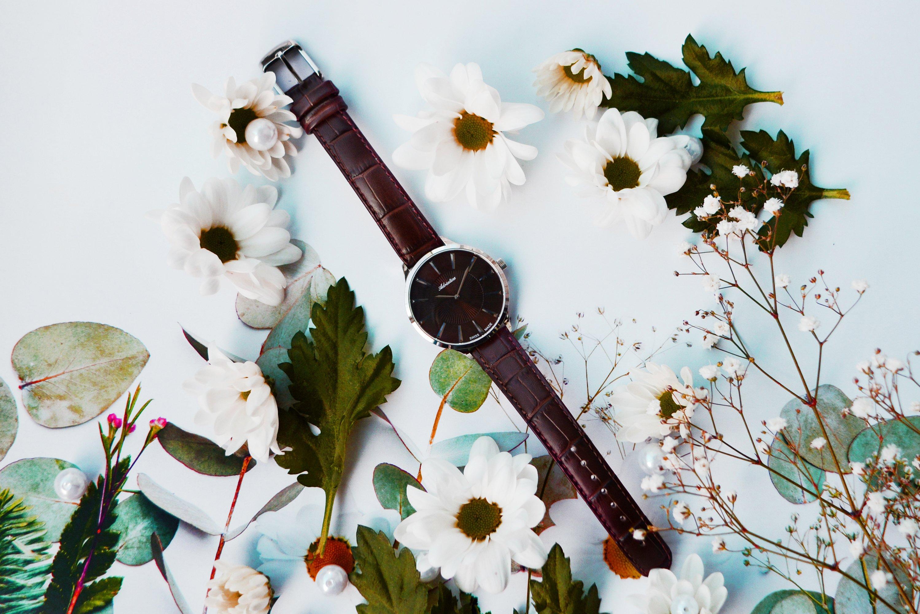 женские часы adricatica