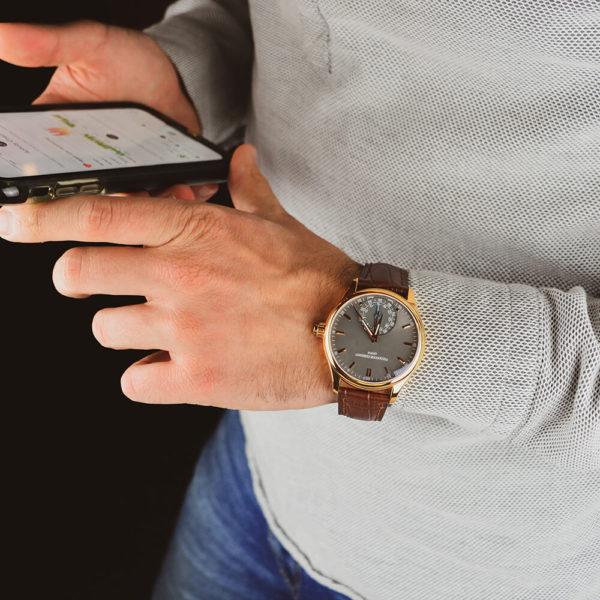 Мужские наручные часы Frederique Constant Horological Smartwatch FC-285LGS5B4 - Фото № 10
