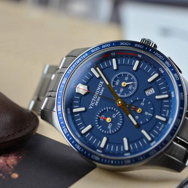 Мужские наручные часы VICTORINOX SWISS ARMY  V241817 - Фото № 11