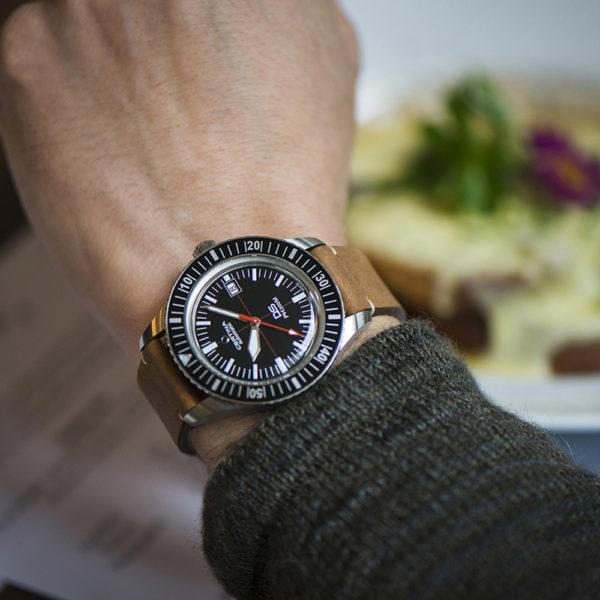 Мужские наручные часы CERTINA Heritage DS PH200M Powermatic 80 C036.407.16.050.00 - Фото № 11