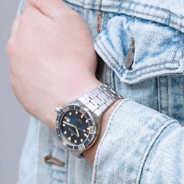 Мужские наручные часы MAURICE LACROIX Aikon Venturer Limited Edition AI6058-SS002-431-1 - Фото № 7