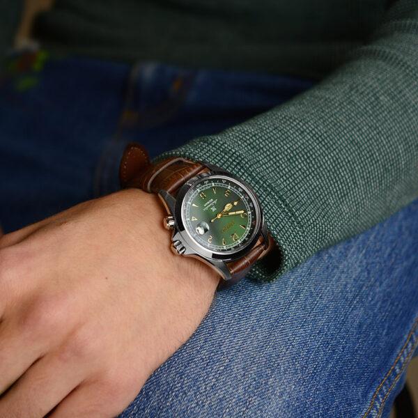 Мужские наручные часы SEIKO Prospex Alpinist SPB121J1 - Фото № 13