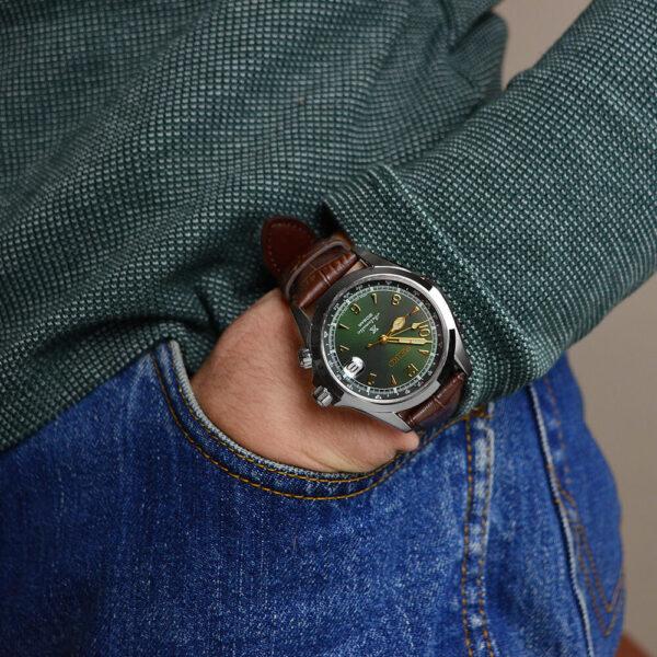 Мужские наручные часы SEIKO Prospex Alpinist SPB121J1 - Фото № 11