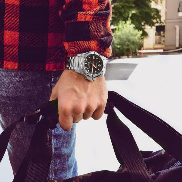 Мужские наручные часы VICTORINOX SWISS ARMY INOX V241781 - Фото № 14