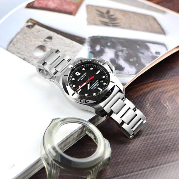 Мужские наручные часы VICTORINOX SWISS ARMY INOX V241781 - Фото № 11