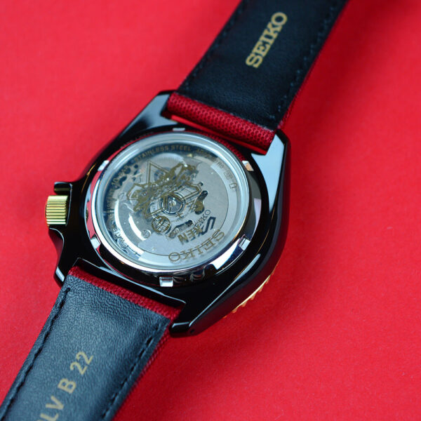 Мужские наручные часы SEIKO Seiko 5 x STREET FIGHTER V Ken Limited Edition SRPF20K1 - Фото № 16
