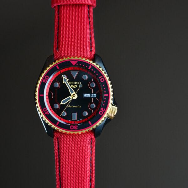 Мужские наручные часы SEIKO Seiko 5 x STREET FIGHTER V Ken Limited Edition SRPF20K1 - Фото № 14