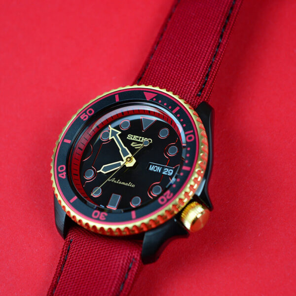 Мужские наручные часы SEIKO Seiko 5 x STREET FIGHTER V Ken Limited Edition SRPF20K1 - Фото № 20