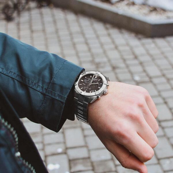 Мужские наручные часы TISSOT PR 100 Sport Gent Chronograph T101.617.11.051.00 - Фото № 8